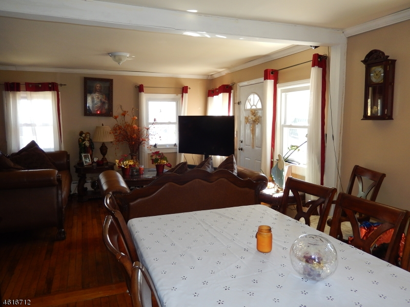 Additional photo for property listing at 56 Lakeside Avenue  Wanaque, New Jersey 07420 États-Unis