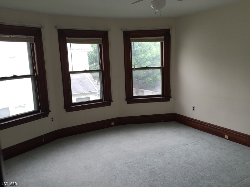 Additional photo for property listing at 7 Locust Avenue  Dover, New Jersey 07801 États-Unis
