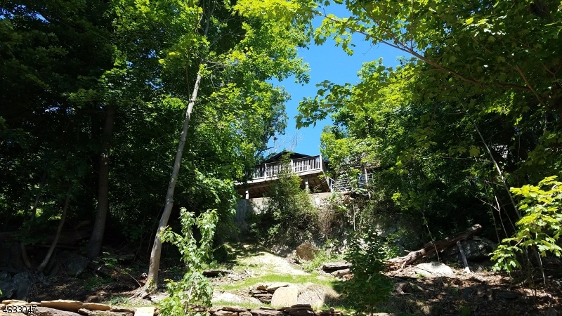 Additional photo for property listing at 35 Dogwood Lane  Hewitt, New Jersey 07421 États-Unis