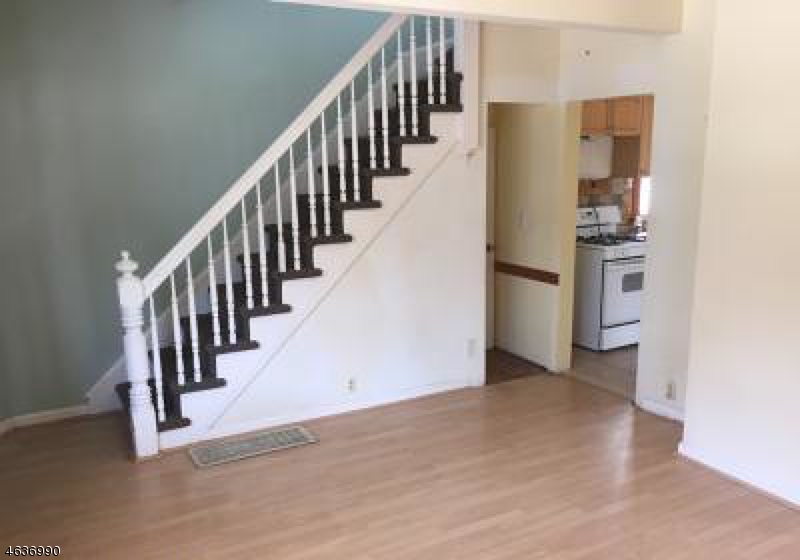 Additional photo for property listing at 465 Broadway  Passaic, Нью-Джерси 07055 Соединенные Штаты