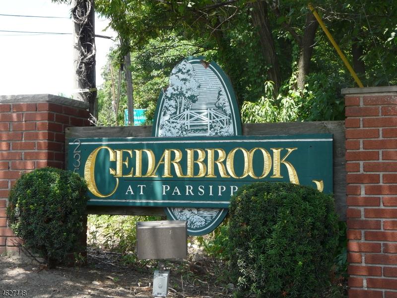 独户住宅 为 销售 在 2350 Route 10, C1 莫里斯平原, 新泽西州 07950 美国