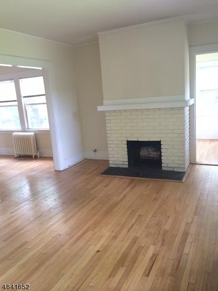 Частный односемейный дом для того Аренда на 45 Essex Avenue Montclair, 07042 Соединенные Штаты