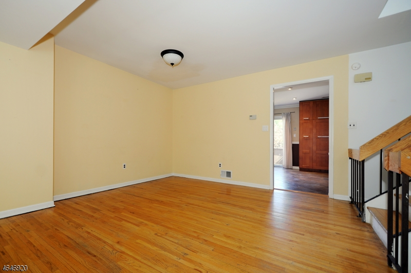 Additional photo for property listing at 14 Keats Way  Morristown, New Jersey 07960 United States