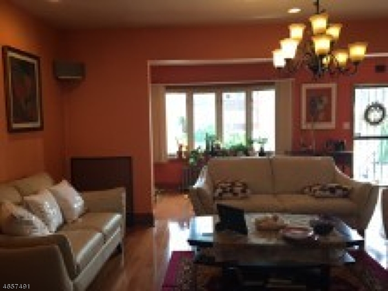 Additional photo for property listing at 310-312 E 24TH Street  Paterson, Нью-Джерси 07514 Соединенные Штаты