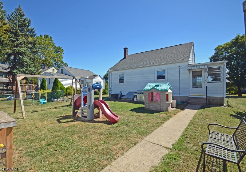 Additional photo for property listing at 143 Aurora Street  Phillipsburg, Нью-Джерси 08865 Соединенные Штаты