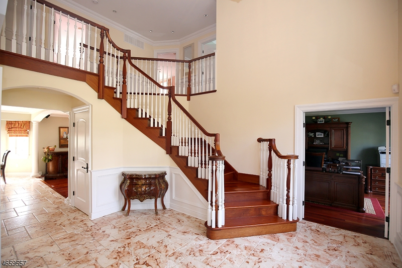 Additional photo for property listing at 35 Swenson Circle  Berkeley Heights, Nueva Jersey 07922 Estados Unidos