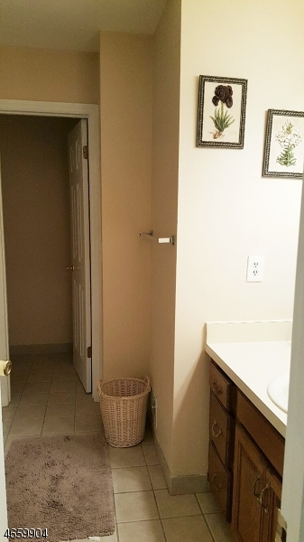 Additional photo for property listing at 6 JEREMY Court  Lincoln Park, New Jersey 07035 États-Unis