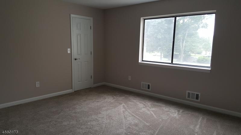 Additional photo for property listing at 1913A STONEGATE Lane  Stanhope, Нью-Джерси 07874 Соединенные Штаты