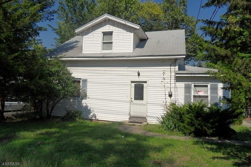 Частный односемейный дом для того Продажа на Address Not Available Fairfield, Нью-Джерси 07004 Соединенные Штаты
