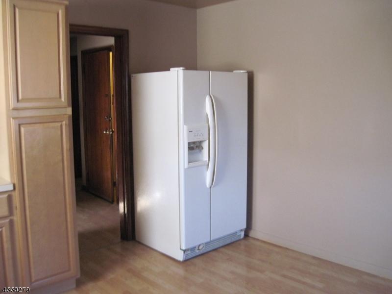 Additional photo for property listing at 104 Norwood Avenue  Lodi, 新泽西州 07644 美国