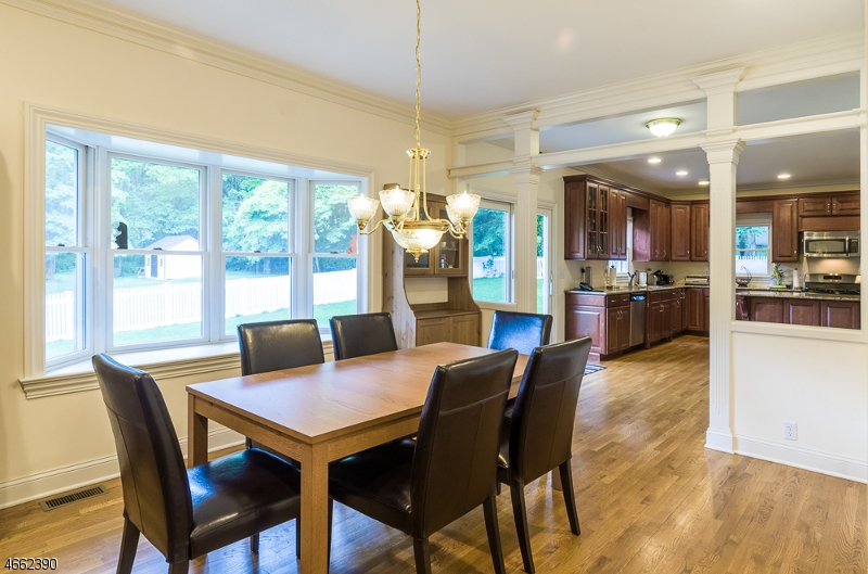 Additional photo for property listing at 16 Lacey Avenue  Gillette, Нью-Джерси 07933 Соединенные Штаты