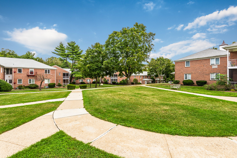 Maison unifamiliale pour l à louer à 806 MORRIS TPKE Short Hills, New Jersey 07078 États-Unis