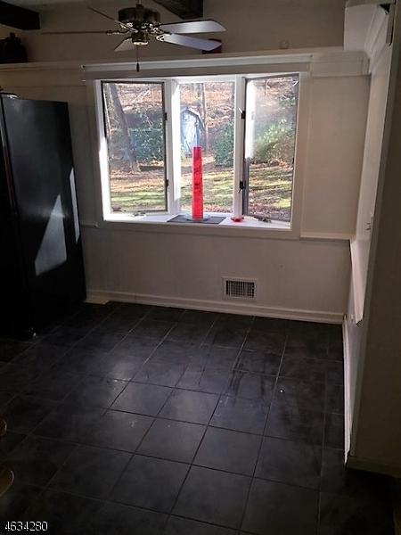 Additional photo for property listing at 73 Morris Avenue  West Milford, Нью-Джерси 07480 Соединенные Штаты