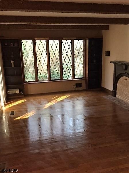 Частный односемейный дом для того Продажа на 73 Morris Avenue West Milford, Нью-Джерси 07480 Соединенные Штаты
