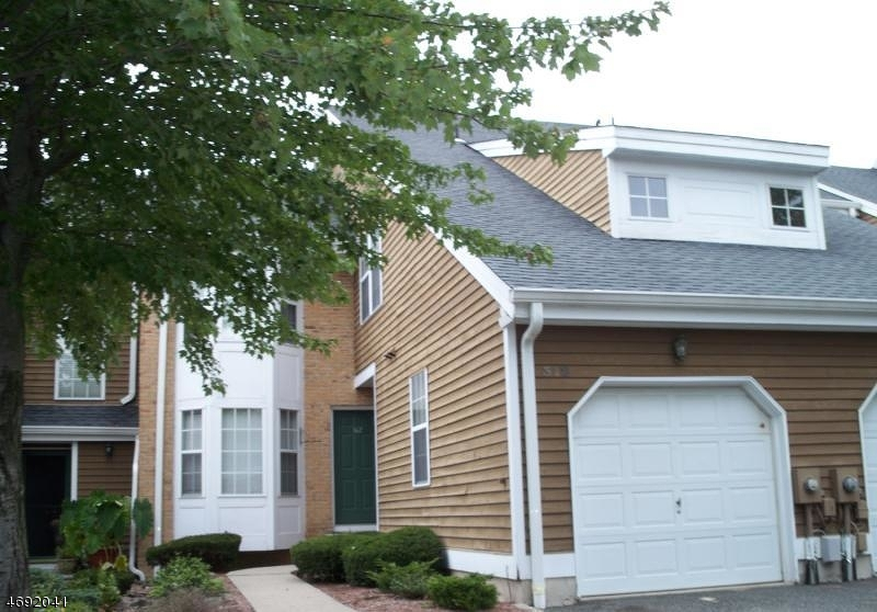 Maison unifamiliale pour l à louer à 312 Araneo Drive West Orange, New Jersey 07052 États-Unis