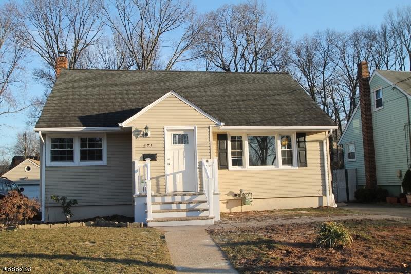 Maison unifamiliale pour l Vente à 521 W 6th Avenue Roselle, New Jersey 07203 États-Unis