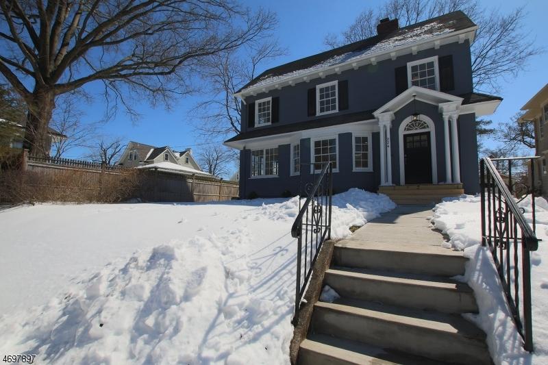 Maison unifamiliale pour l Vente à 224 Bay Avenue Glen Ridge, New Jersey 07028 États-Unis