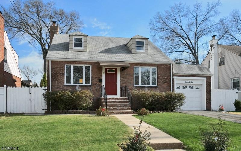 Частный односемейный дом для того Продажа на 26 Normandy Place Roselle, 07203 Соединенные Штаты