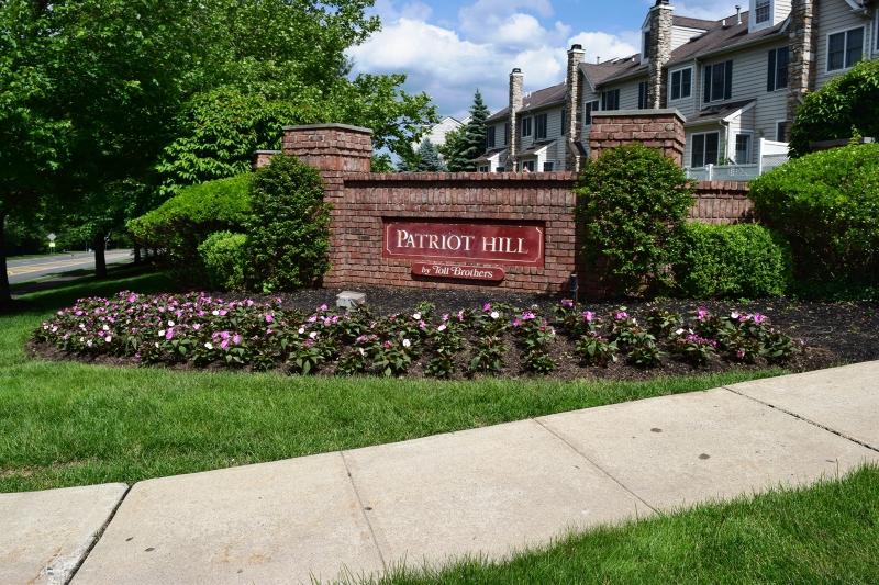 Частный односемейный дом для того Аренда на 220 Patriot Hill Drive Basking Ridge, Нью-Джерси 07920 Соединенные Штаты