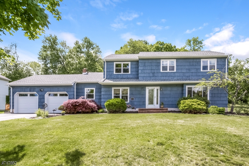 Single Family Home for Sale at 30 Rivendell Road Succasunna, New Jersey 07876 United States