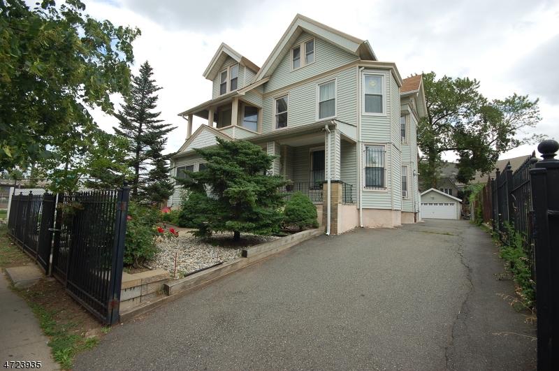 Многосемейный дом для того Продажа на 30 S Arlington Avenue East Orange, Нью-Джерси 07018 Соединенные Штаты