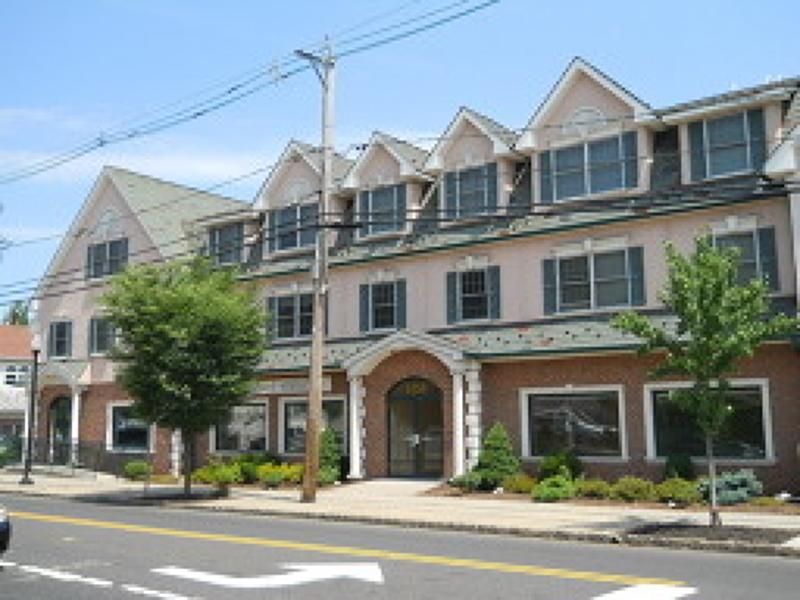 Частный односемейный дом для того Аренда на 525 Central Ave, Unit 211 Westfield, Нью-Джерси 07090 Соединенные Штаты