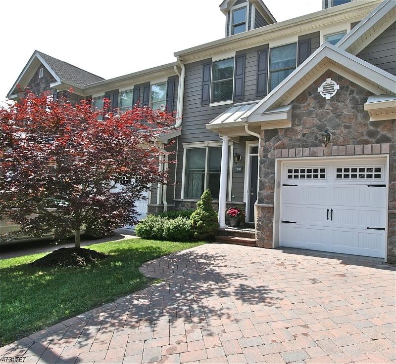 Maison unifamiliale pour l Vente à 1003 Whitney Lane Allendale, New Jersey 07401 États-Unis