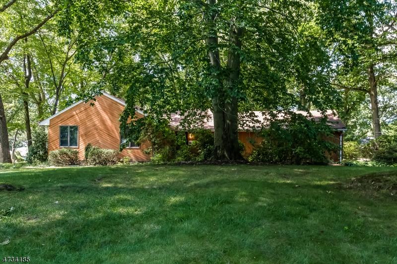Casa Unifamiliar por un Venta en 73 Stony Ridge Drive Hillsdale, Nueva Jersey 07642 Estados Unidos
