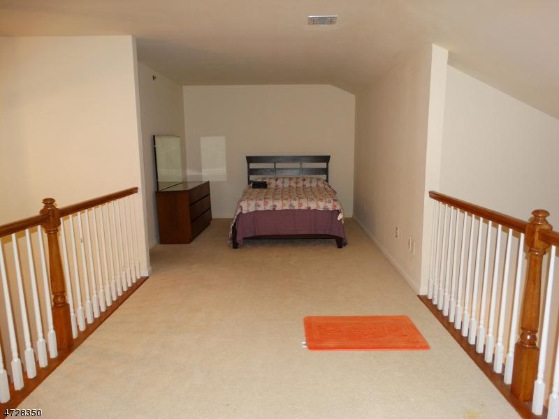 Additional photo for property listing at 175 Rochelle Ave Unit 322 175 Rochelle Ave Unit 322 Rochelle Park, Нью-Джерси 07662 Соединенные Штаты