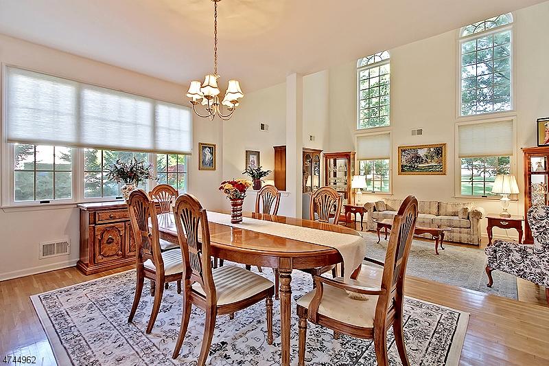 Einfamilienhaus für Verkauf beim 61 Delaware Avenue 61 Delaware Avenue Long Hill Township, New Jersey 07980 Vereinigte Staaten