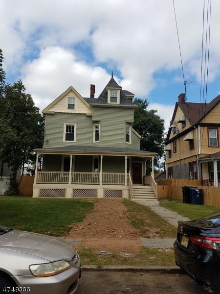 Maison unifamiliale pour l à louer à 123-25 E 6TH Street Plainfield, New Jersey 07060 États-Unis
