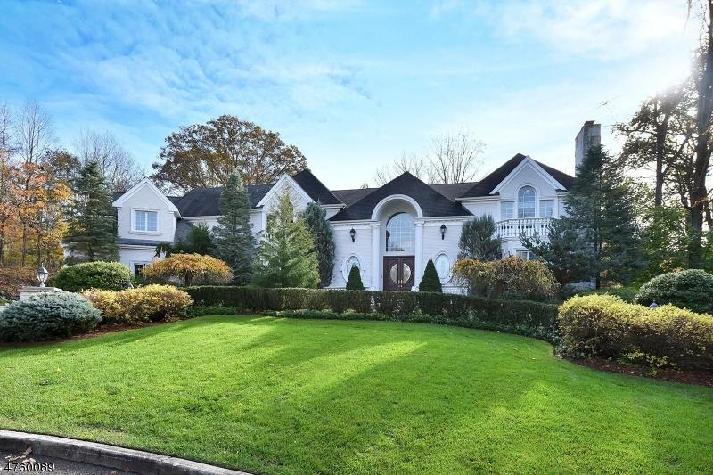 Maison unifamiliale pour l Vente à 783 Santa Fe Trail Franklin Lakes, New Jersey 07417 États-Unis