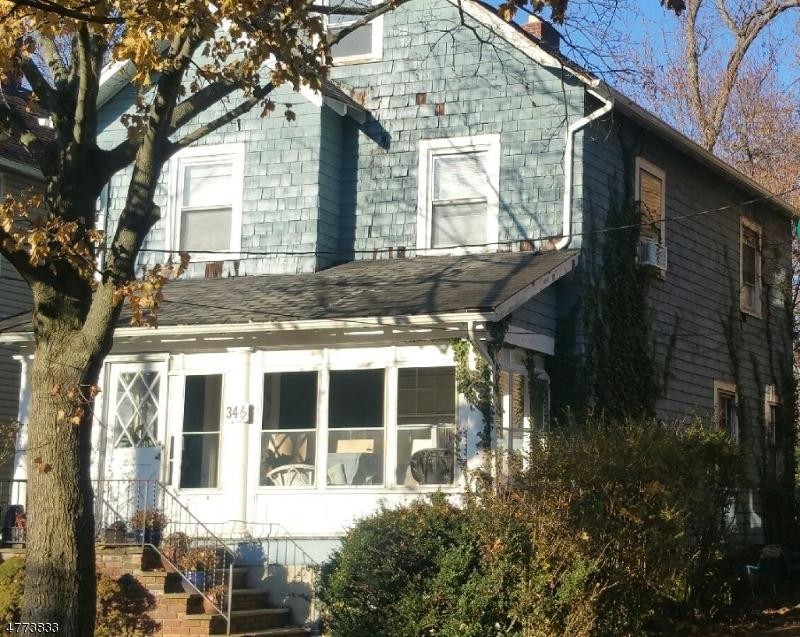 واحد منزل الأسرة للـ Sale في 34-1/2 CENTRAL Avenue 34-1/2 CENTRAL Avenue Montclair, New Jersey 07042 United States