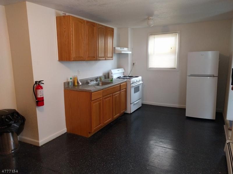 Tek Ailelik Ev için Kiralama at Address Not Available Orange, New Jersey 07050 Amerika Birleşik Devletleri