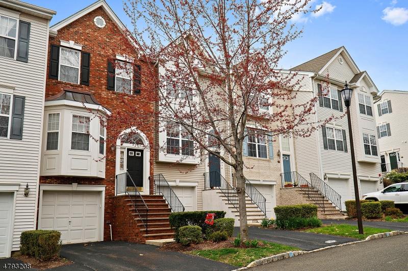 Кондо / дом для того Аренда на 601 HARTFORD Drive Nutley, Нью-Джерси 07110 Соединенные Штаты