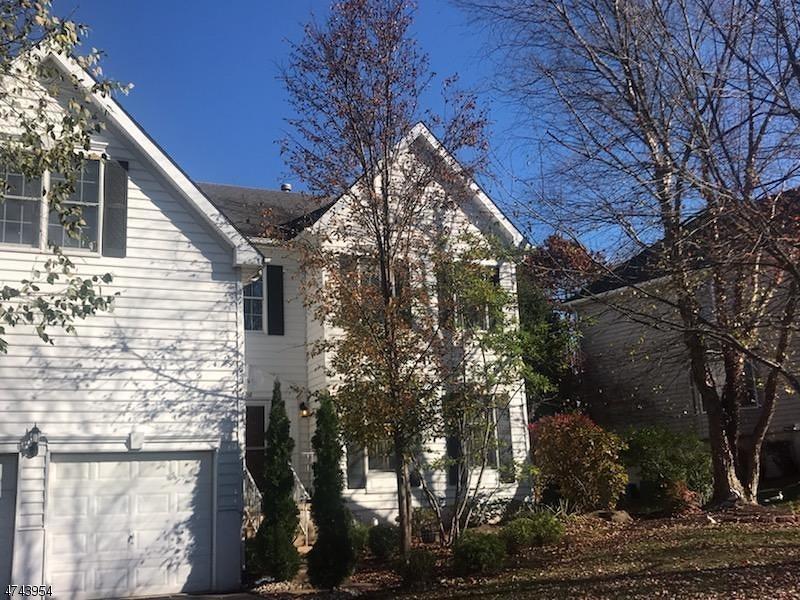 Частный односемейный дом для того Аренда на 38 Vanderveer Drive Bernards Township, Нью-Джерси 07920 Соединенные Штаты