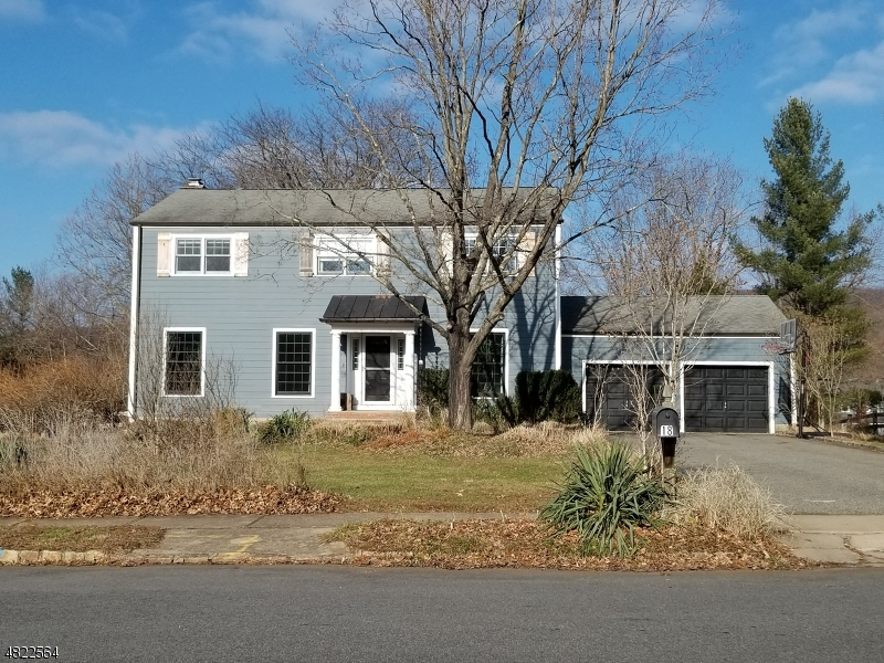 Single Family Home for Sale at 18 PHOENIX DR 18 PHOENIX DR Mendham Borough, New Jersey 07945 United States