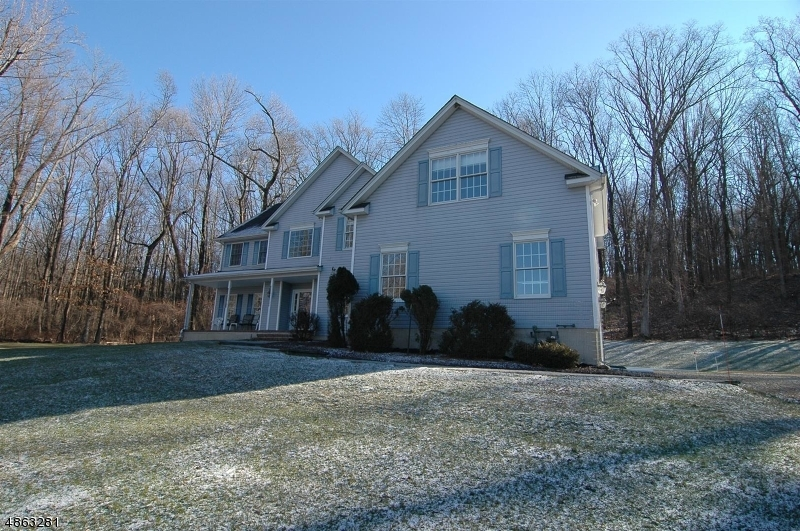 Single Family Home for Sale at 3 TOWNSBURY Road Independence Township, New Jersey 07838 United States
