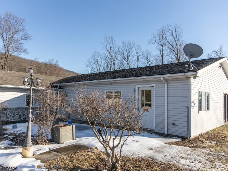 Single Family Home for Sale at 4431 RUDETOWN RD 4431 RUDETOWN RD Hardyston, New Jersey 07419 United States