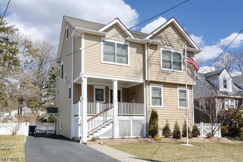Частный односемейный дом для того Продажа на 35 HIGHWOOD Avenue Waldwick, Нью-Джерси 07463 Соединенные Штаты