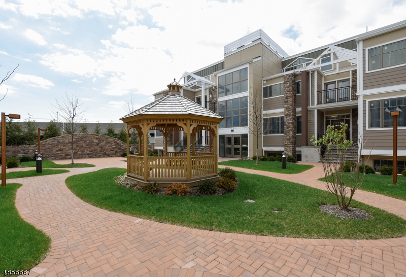 Condominium for Sale at 82 FRANKLIN PL UNIT A1 #10 82 FRANKLIN PL UNIT A1 #10 Summit, New Jersey 07901 United States