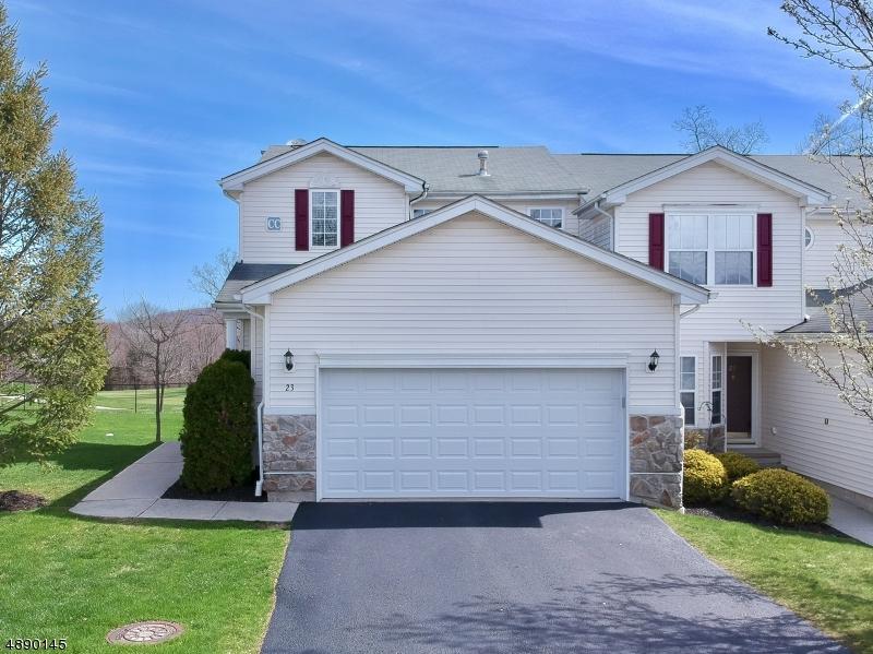 Кондо / дом для того Продажа на 23 SPRUCE HILL Court Hamburg, Нью-Джерси 07419 Соединенные Штаты