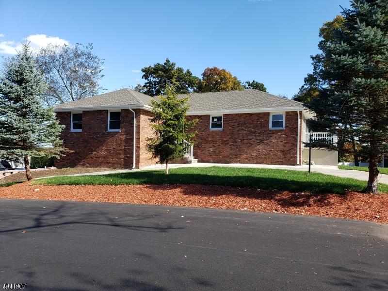 Single Family Homes für Verkauf beim Woodland Park, New Jersey 07424 Vereinigte Staaten