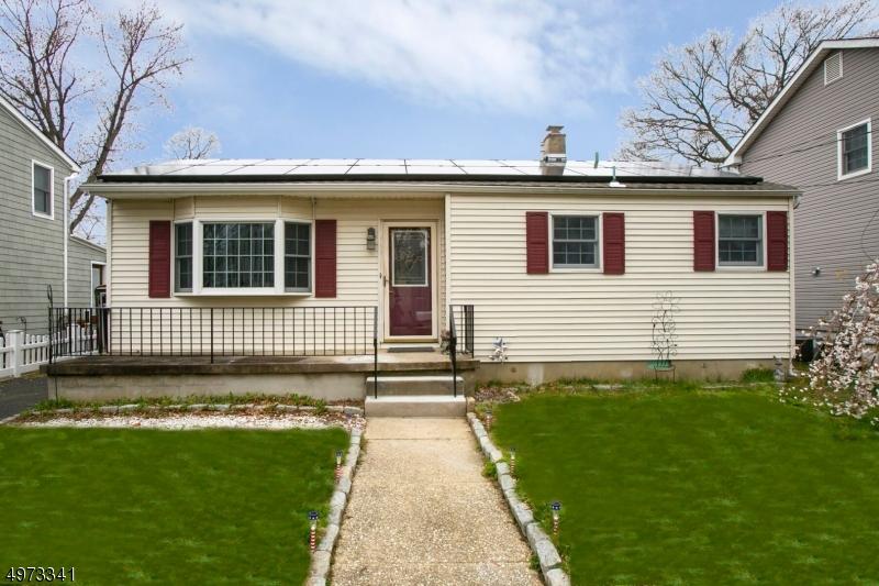 Single Family Homes por un Venta en Hazlet, Nueva Jersey 07734 Estados Unidos