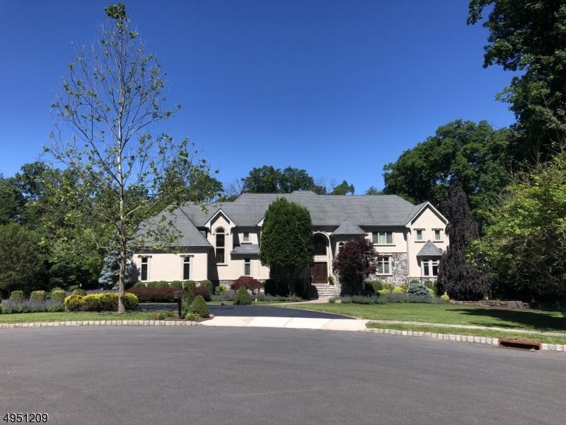 Single Family Homes per Vendita alle ore Raritan, New Jersey 08822 Stati Uniti