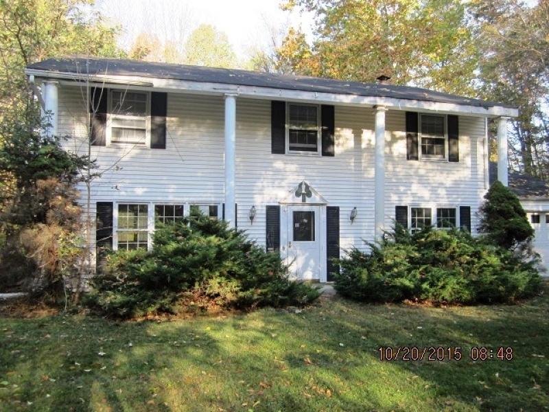 Частный односемейный дом для того Продажа на 4 Birch Road Hackettstown, Нью-Джерси 07840 Соединенные Штаты