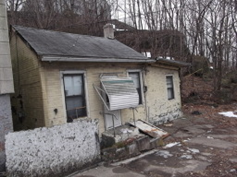 Additional photo for property listing at 294 Dixon Avenue  Paterson, New Jersey 07501 États-Unis