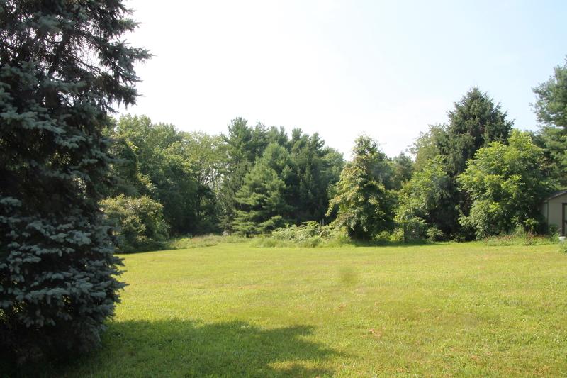 Additional photo for property listing at 112 W WOODSCHURCH Road  Flemington, Нью-Джерси 08822 Соединенные Штаты