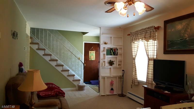 Additional photo for property listing at 494 Marion Street  Teaneck, New Jersey 07666 États-Unis