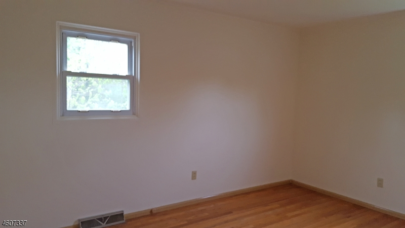 Additional photo for property listing at 35 Condit Street  Newton, Nueva Jersey 07860 Estados Unidos